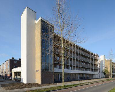 Renovatie galerijflats in Jaarboek Architectuur